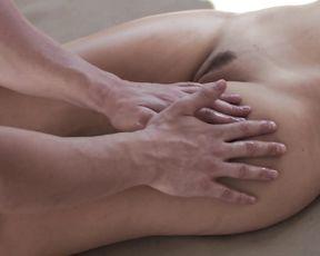 Sexy Pool Men & Beauty Girl - Erotic for Women