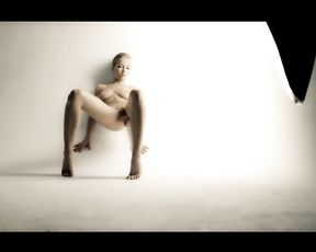 Nude Art Girl - Explicit Me