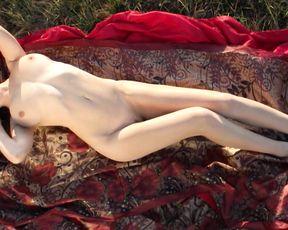 Nude Girl - Outdoors Nice