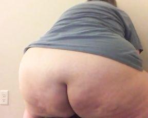 Large Bootie Mega-Bitch Rides Sex Stick while Bored in Quarantine
