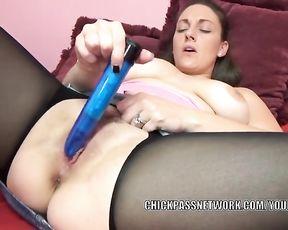 Dark Haired MILF Melanie Hicks lifts her micro-skirt to jerk