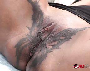 Sindy Ink Butterfly Vulva