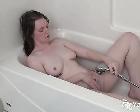 Chesty Fledgling Tori Jerking Her Wooly Snatch