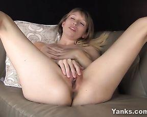 Huge-Boobed Verronica Jacking Her Coochie