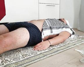 Sensitized Feet Tease Gigantic Alladin on Magic Carpet