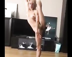 Nude Glamour Dancer Set to Music
