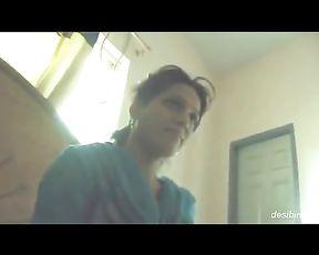 Sara Khan Actress