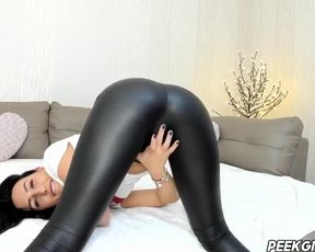 The Girl in Latex Trousers is doing a Twerk. IMMENSE BIG CABOOSE. Latex Web Webcam Show