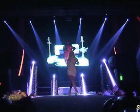 ultra-insane flexi stepmom bare on stage