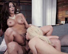 Thresome Taboo Sex - Girl Tagging (Reena Sky, Elsa Jean)