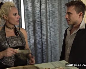 Roleplay Perverse Family - Sandra's Sexy Service - Full HD