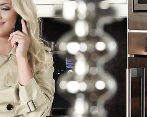 Erotic Art Video - SEXY BLONDE