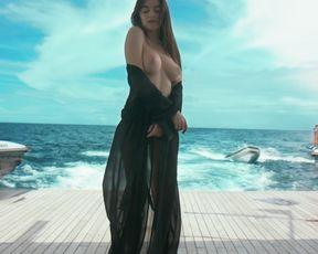 Nude Art Movie - Hallway (Best Erotic Music)