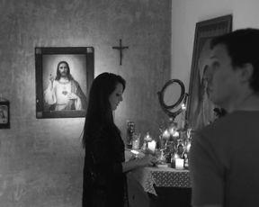 Irina Vega - El que no ama no conoce a dios - XConfessions 3