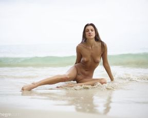 Nude beach photosession by Melena Maria