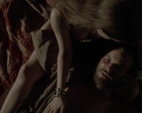 TV show scene Tara Lynne Barr sexy, Whitney Rose Pynn nude, Jade Tailor nude – Aquarius s01e06-11 (2015)