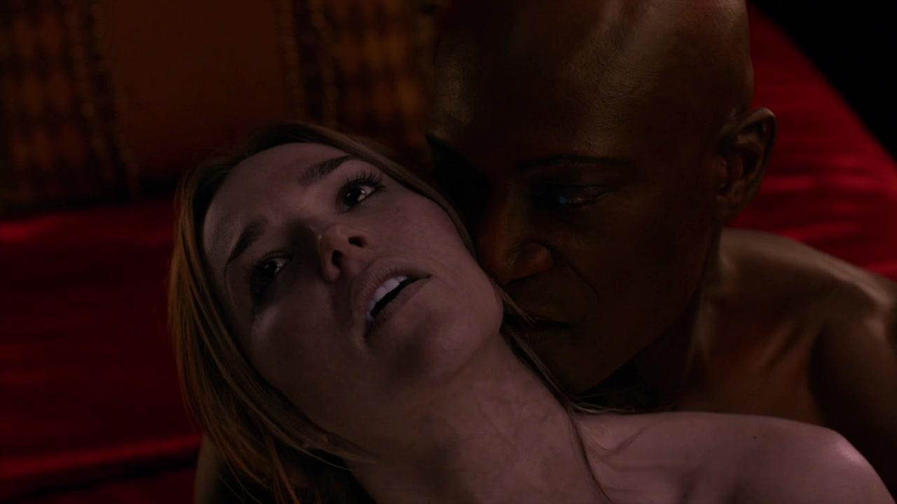 Midnight sex scene — pic 13
