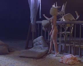 Sherilyn Fenn nude, Kristy McNichol nude – Two Moon Junction (1988)