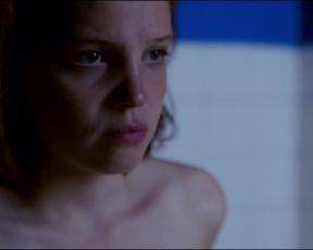 Adele Haenel Nude - Orpheline (2016)
