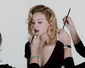 Sarah Gadon sexy – Antiviral (2012)