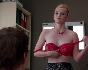 TV show scene Betty Gilpin - Nurse Jackie s05 (2014)