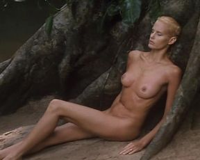 Daryl Hannah & Kathy Bates naked - At Play in the Fields of the Lord (1991)