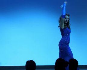 Naked Asian Art Performance - Miyuki Divine - The Burlesque Strip