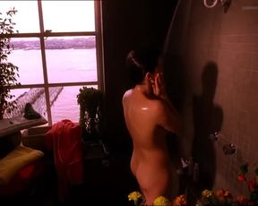 Sexy Neve Campbell, Megan Pipin, Joelle Carter Nude - When Will I Be Loved (US 2004)