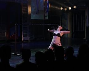 Burlesque Strip SHOW-32-Nude Michelle L'amour