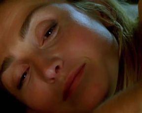 Sexy Julie Gayet Nude - Amoreuse (2010)