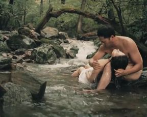 Celebs Hwang Geum-hee, Lee Joo-hee Nude - Couple In The Forest (2017)