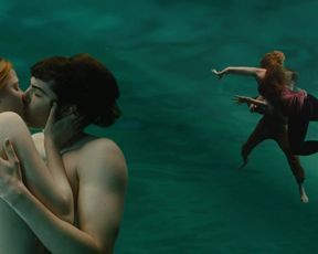 Evan Rachel Wood nude - Across the Universe (2007)