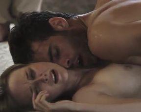 Hot scene Juana Acosta, Ingrid Garcia Jonsson Nude - Acantilado (2016)