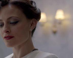 Hot scene Lara Pulver Nude - Sherlock (2012) s02e01