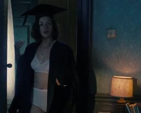 Sexy Anne Hathaway Sexy - One Day (2011) TV show scenes