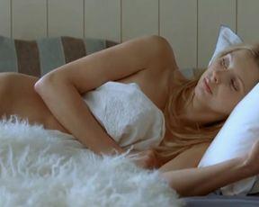 Hot scene Frederique Bel Nude - Fais-moi plaisir! (2009)