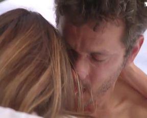 Sexy Jennifer Lauret Nude - Une Famille Formidable s12e04 (2015)