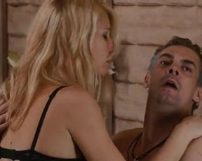 Hot scene Gwyneth Paltrow and Leighton Meester - Country Strong (2010)