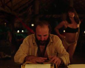 Sexy Vimala Pons Nude - La loi de la jungle (2016)