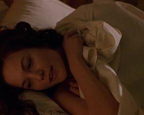 Celebs Moira Kelly, Diane Lane - Chaplin (1992)