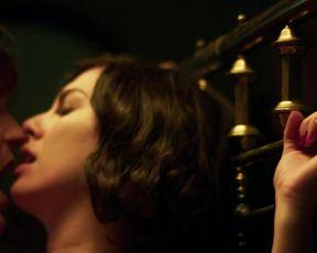 TV show scene Blanca Suarez Nude - Cable Girls s02e04 (2017)