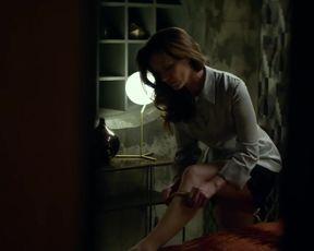 TV show scene Essie Davis Nude & Sexy - Philip K. Dick's Electric Dreams s01e06 (2017)