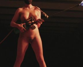 Naked on Stage - Mainstream Fayer Doris Uhlich