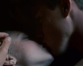 Amanda Seyfried nude - Dear John (2010)