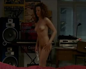 Actress Lilian Naumann nude - Oben ohne S01E02 (2007) Nudity and Sex in TV Show