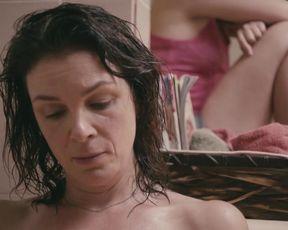 Sonia Vigneault, Noemi Lira Hot, Sexy - Faillir (2012)