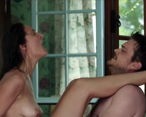 Naked scenes Alice Pehlivanyan - Im Sommer wohnt er unten (2015)