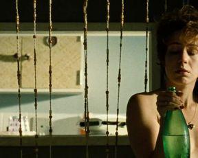 Leandra Leal nude - O Lobo atras da Porta (2013)