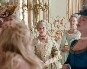 Sexy Kirsten Dunst Nude - Marie Antoinette (2006)