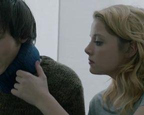Hot scene Jella Haase, Paula Beer Nude - 4 Konige (2015)